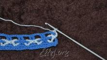 Связали первый столбик с накидом за вязанием.