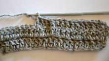 Лицевой рельефный столбик готов, вот так он отличается от от обычных столбиков с накидом.