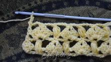 Набрали 3 в.п. для подъема, разворачиваем вязание.