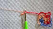 После этого перекинуть цепочку с первым мотивом над рабочей нитью и в колечко вяжем 3 ССН.