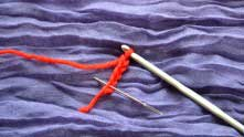 Или с цепочки из 5-ти воздушных петель (в.п.), которую нужно замкнуть в кольцо.