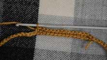 Первый ряд вяжем просто столбиками без накида.