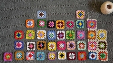 First we need to work 37 colored granny squares. 3 rounds in each. Place them the way they are woven into the fabric.