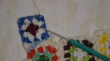 Coninuing to the corner. Work ch 2 and edging another side of motif (look to the crochet chart).