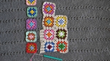 Now we take motifs for next row of motifs. Edging them and joining to the previous row.