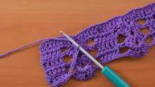 Теперь выберите, в какую сторону вам удобнее поворачивать вязание (по часовой стрелке, или против) и поворачивайте каждый раз в таких моментах в одну и ту же сторону.