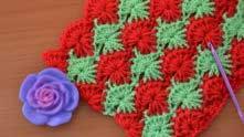 Можно вязать двумя цветами: 1 ряд - цвет А; 2 и 3 ряды - цвет В; 4 и 5 ряды - цвет А; 6 и 7 - цвет В...
