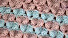 Чтобы получился разноцветный узор - вяжите каждые 2 ряда новым цветом, или можно чередовать 2 цвета.