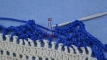 Внизу вяжем только под воздушные петли, пропуская столбик с накидом.