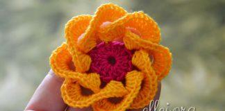 Объемный цветочек