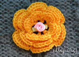 Объемный многослойный цветок крючком