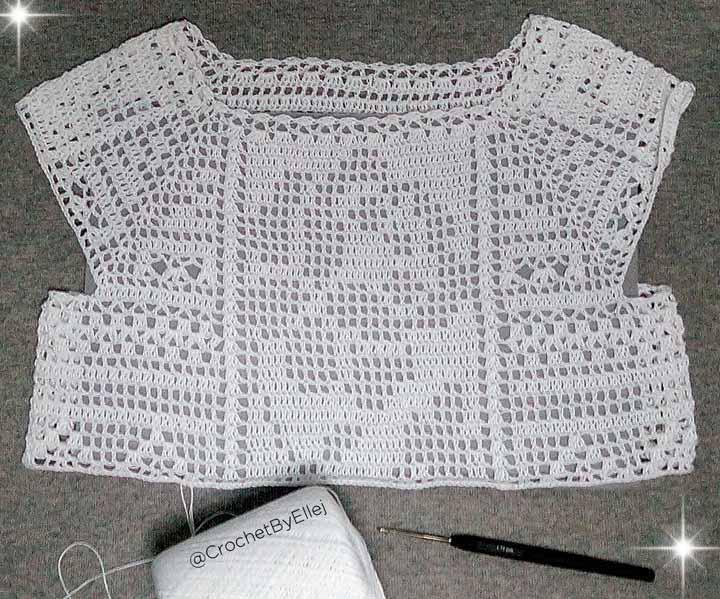Процесс вязания крючком филейной блузы для девочки