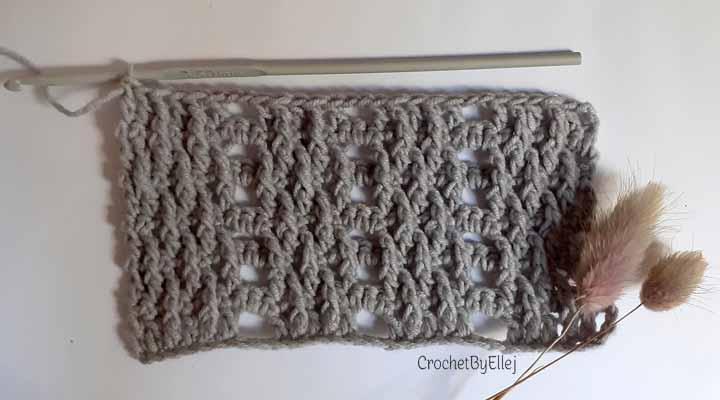 Вертикальный рельефный узор для пальто